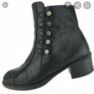 COPY - Naot black leather side lace booties, 37